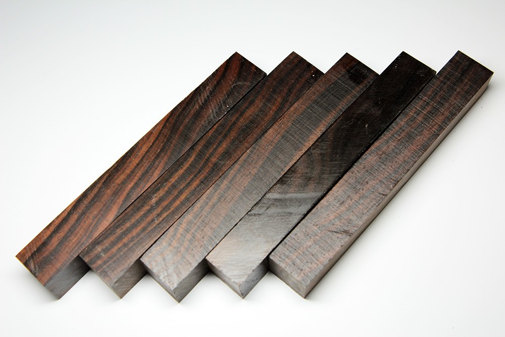 schwarzes Ebenholz