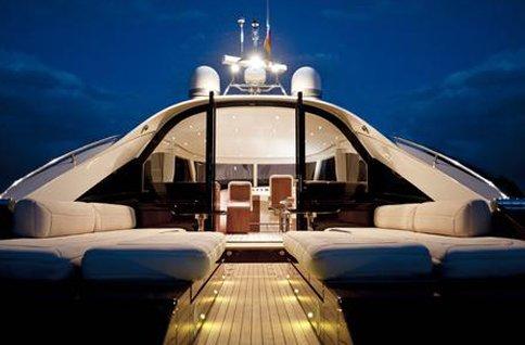 Modernste yacht der welt  Luxussegelyachten zum Chartern
